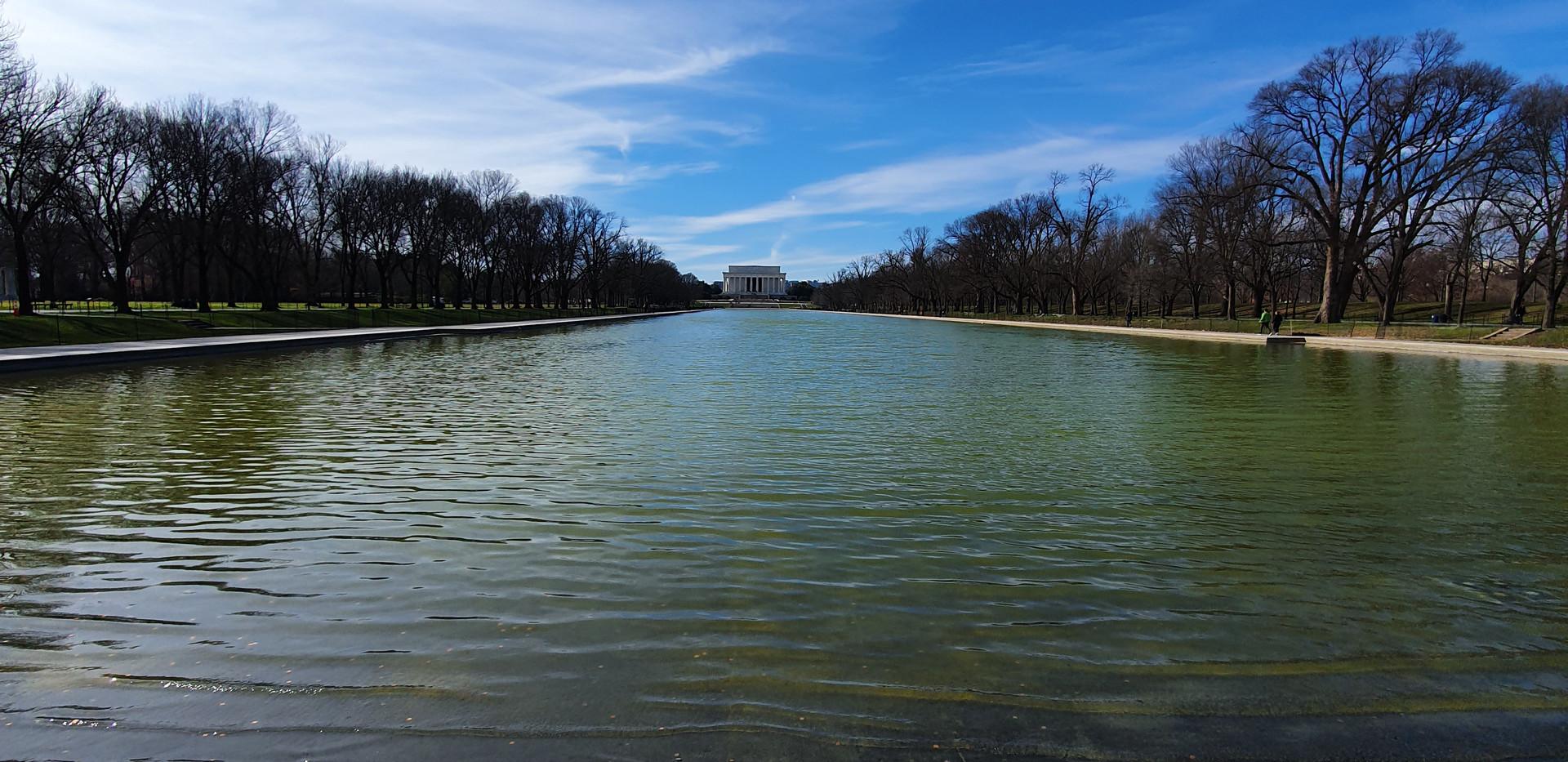 Reflecting Pool - Lincoln Memorial ao fundo