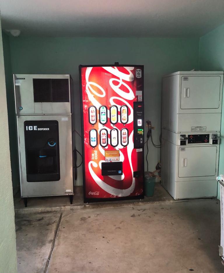 Máquinas de gelo e refrigerante
