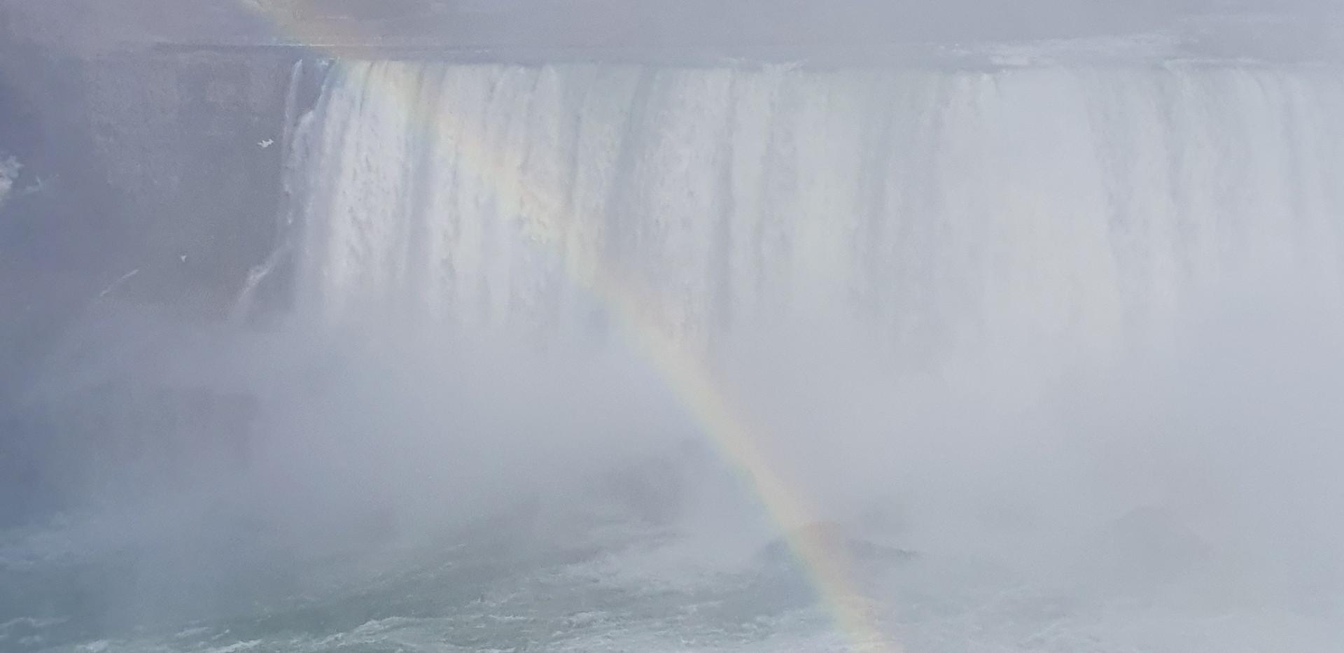 Arco-íris na queda maior <3