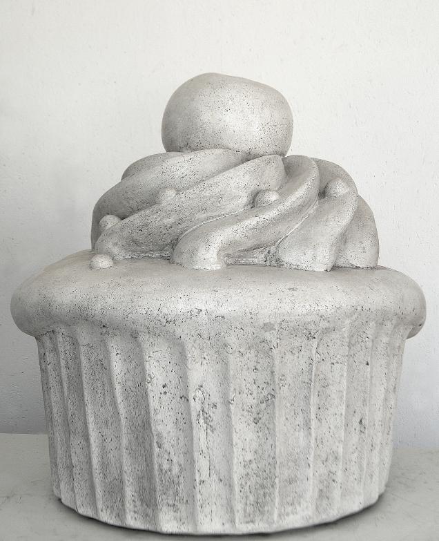 JVetter_Cupcake_Marmorsteinguß_2018_60x60x60cm.png