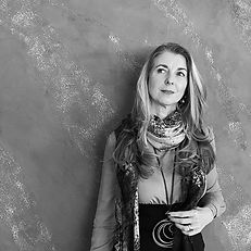 Alessandra Janousek - Professional Organizer