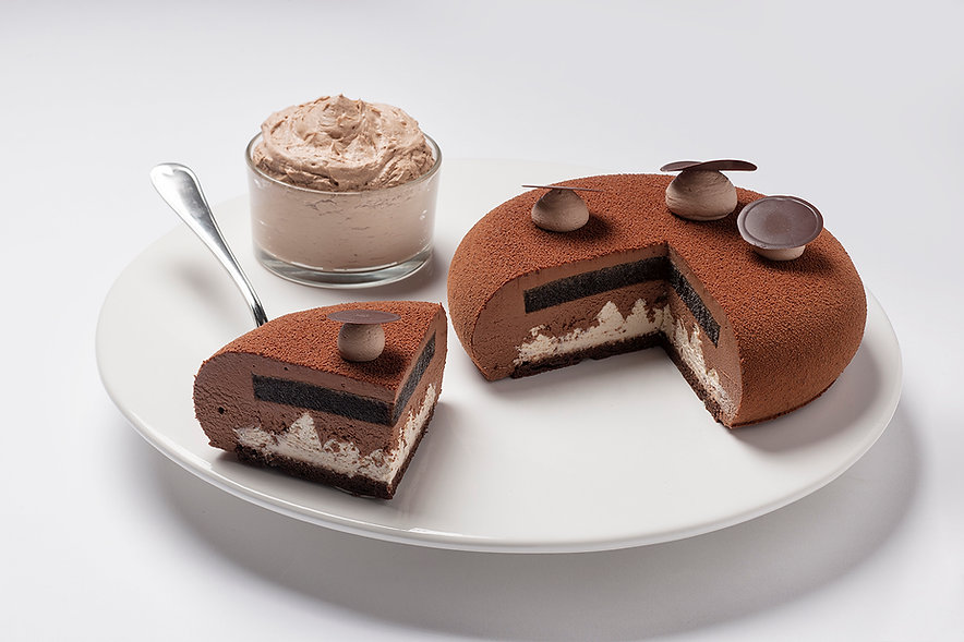 Elle and Vire Cream Cake