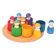Muñecos de madera de colores