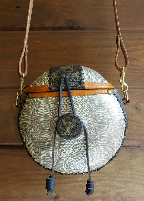 """8"""" Louis Vuitton Gourd Purse"""