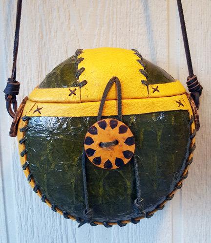 """""""Turtletown"""" Green Gourd Purse"""