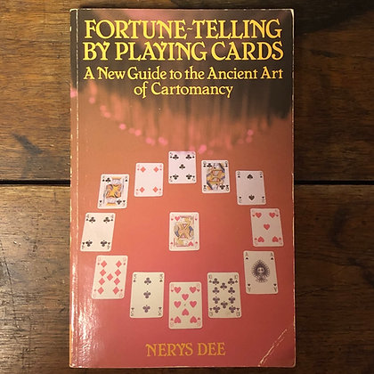 Dee, Nerys : Fortune Telling by Playing Cards - Softcover