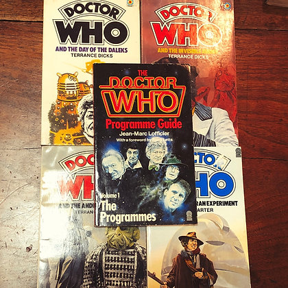 5 Doctor Who paperbacks