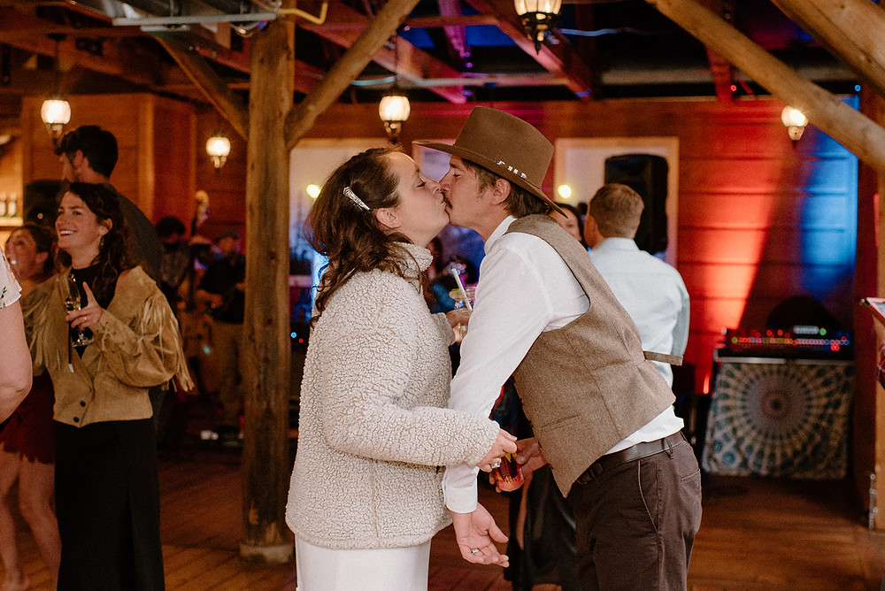 Vail locals get married at Piney River Ranch. Peaches and cream wedding. Colorado mountain wedding. Piney River Ranch summer wedding.