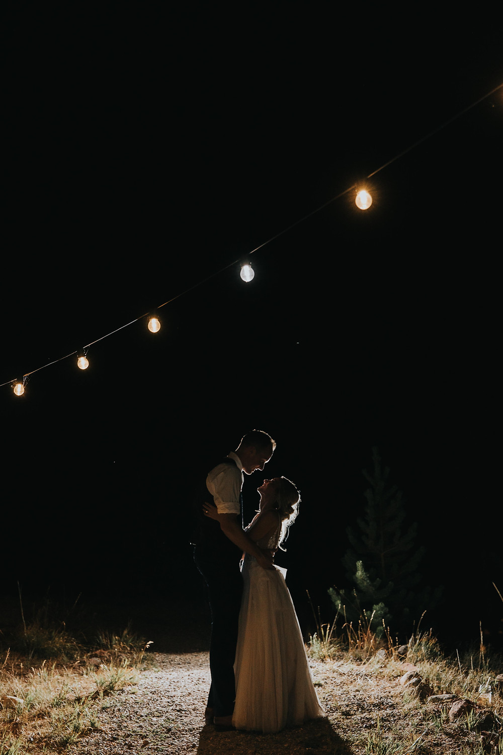 Vail Colorado wedding at the stunning Piney River Ranch. Piney River Ranch Wedding. Colorful and romantic wedding.
