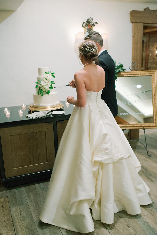 Colorado Mountain Wedding. Classic white and green wedding. Vail Colorado Weddings.