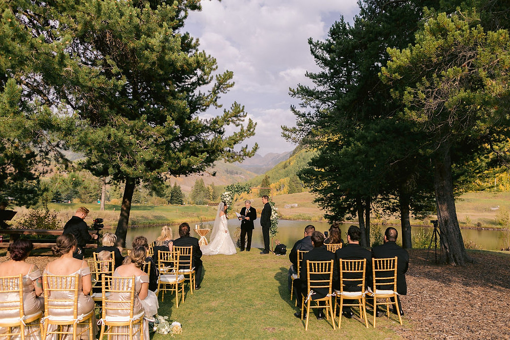 Fall Wedding in Colorado. Vail Wedding at the Golf and Nordic Center. Vail Mountain top wedding pictures. Destination micro wedding. Gold and green and white wedding.