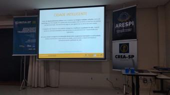 """Apresentação """"SMART CITIES – CONVIVÊNCIA COM NOVAS TECNOLOGIAS NA DISCUSSÃO DAS POLITICAS PÚBLI"""