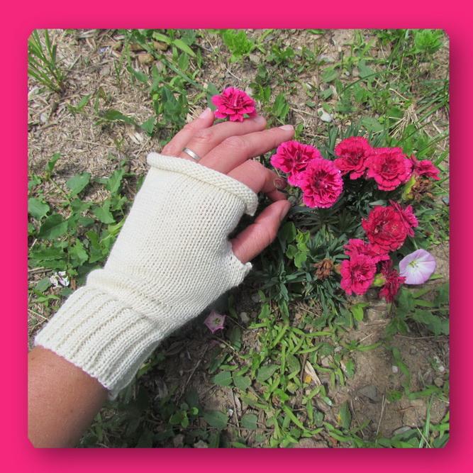 mitaine ecru fleur rose