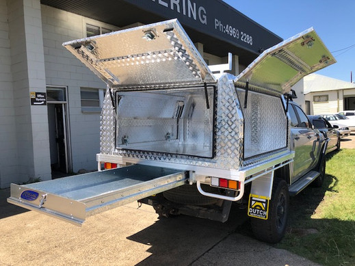 Ford Ranger Dual Cab 1.5 t tray and standard canopy