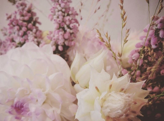 bouquet fleuriste_edited.jpg