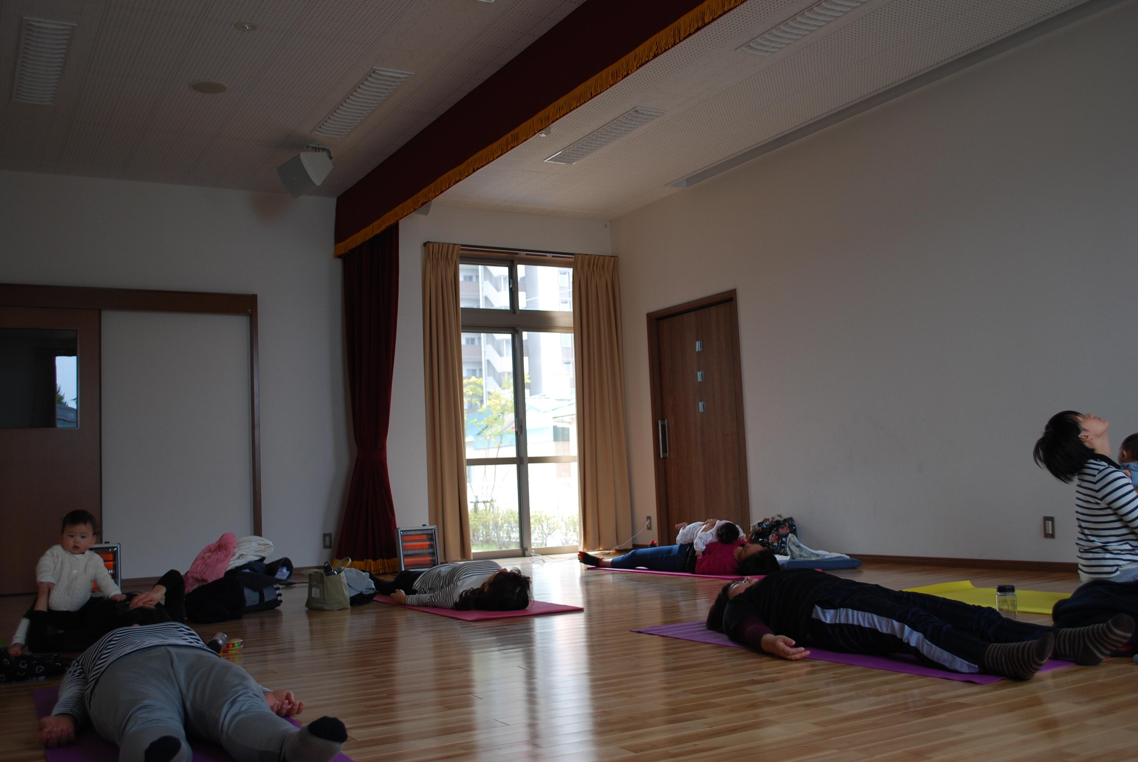 筑紫公民館 ママと大人yoga