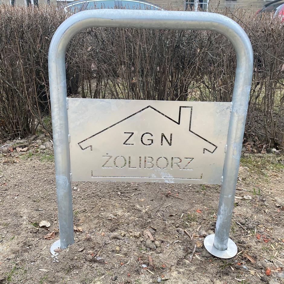 Nowe stojaki rowerowe na Żoliborzu