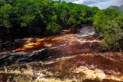 cachoeira-da-iracema-red-waterfall-river