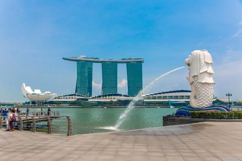 merlion-fountain-singapore-marina-bay-sa