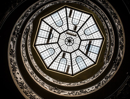 bramante-staircase-ceiling-vatican-museu