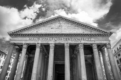 black-and-white-pantheon-facade-piazza-d