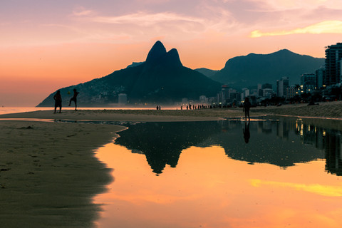 reflections-water-ipanema-beach-dois-irm