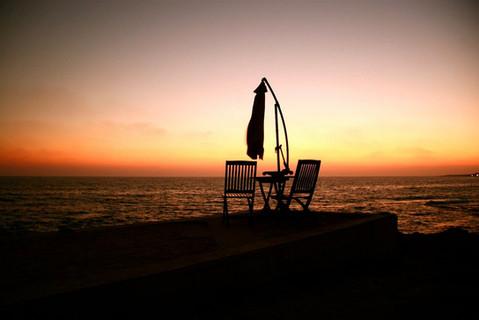 table-for-two-sunset-mediterranean-ocean
