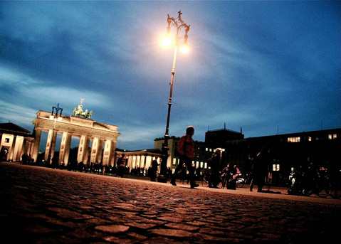 blue-hour-brandenburg-gate-berlin-german