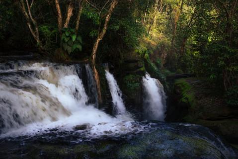 waterfalls-presidente-figueiredo-sunset-