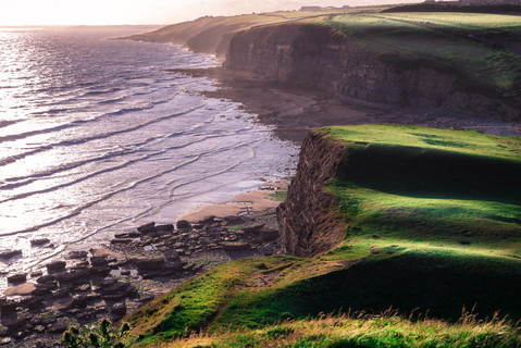 rolling-hills-ogmore-by-the-sea-beach-co