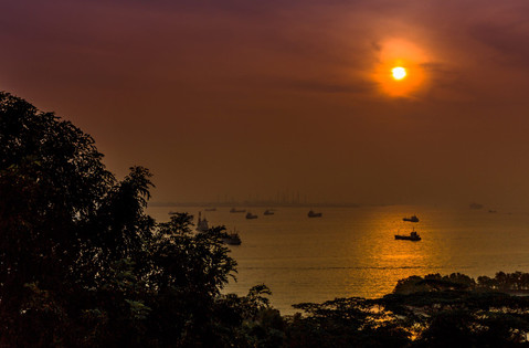 sunset-sentosa-island-ships-ocean-singap