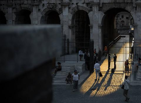 light-roman-colosseum-rome-italy.jpg
