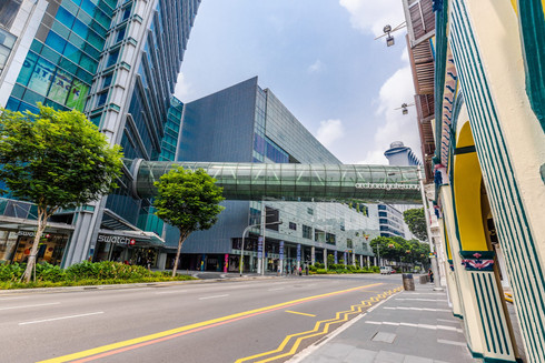 orchard-gateway-over-road-singapore-asia