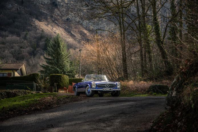 Mercedes-Benz-280sl-Switzerland-1.jpg