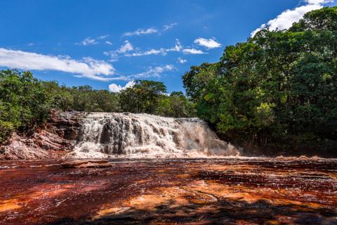 cachoeira-da-iracema-waterfall-red-river