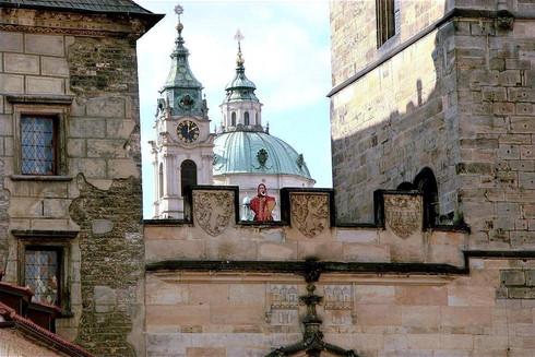 blowing-trumpet-tower-prague-czech-repub