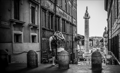 tourist-selfie-rome-italy.jpg
