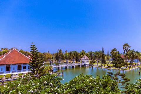 ujung-water-palace-landscape-bali-indone