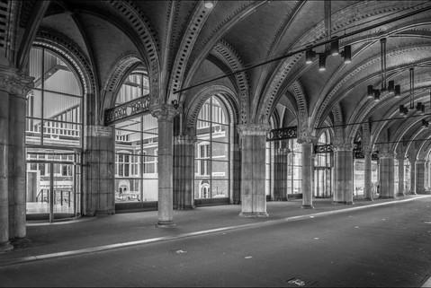 black-and-white-entrance-tunnel-rijskmus