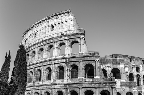 black-and-white-colosseum-rome-italy.jpg