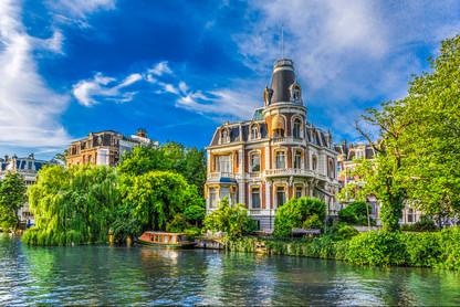 building-canal-boat-singelgracht-de-wete