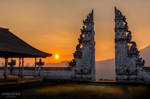 sunset-pura-luhur-lempuyang-temple-gates