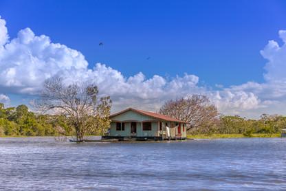 house-boat-on-amazon-river-rural-rainfor
