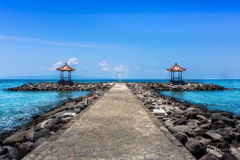 blue-sky-candidasa-beach-love-symbol-bal