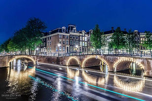 night-long-exposure-keizersgracht-leidse