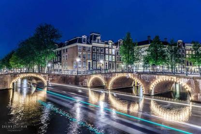 night-long-exposure-keizersgracht-leidse