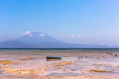 boat-moored-nusa-lembongan-island-bali-i