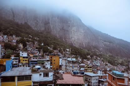 closeup-rooftops-rocinha-favela-misty-mo