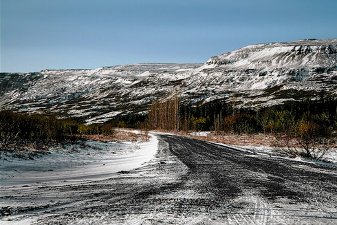 road-mountains-iceland.jpg