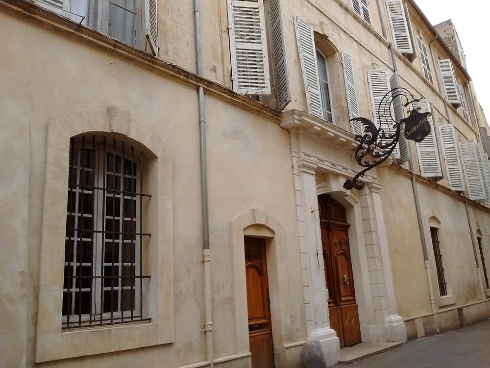 L'hôtel particulier de la rue de Vernon, dans le centre d'Arles.